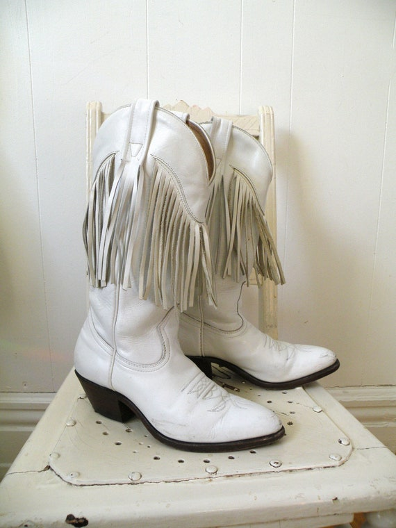 reserved for jill  -- SALE -- 70s White Leather Cowboy Boots