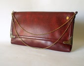 VINTAGE AFFLUENT CORDOVAN Burgundy Brown Envelope Clutch Handbag Gold Metal Chain Convertible Strap Faux Leather