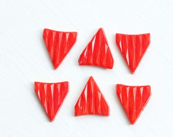 Red Textured Triangle Cabochons (6x)