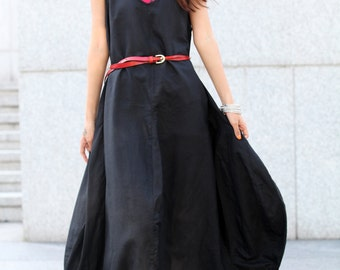 Graceful Black Vest Shape Sweep Long Dress- NC015