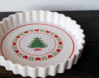 Vintage Christmas Pie Plate Gratin Pan, Quiche Baking Dish Serving Bakeware Kitchen Tableware