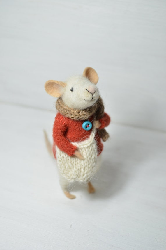 RESERVED Little Traveler Mouse - unique - needle felted ornament animal, felting dreams made to order