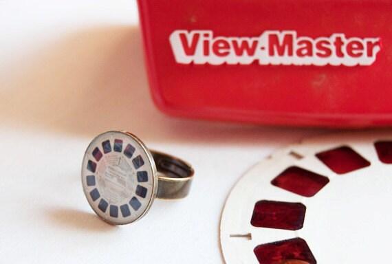 View master reel adjustable resin ring. Antique bronze tone.