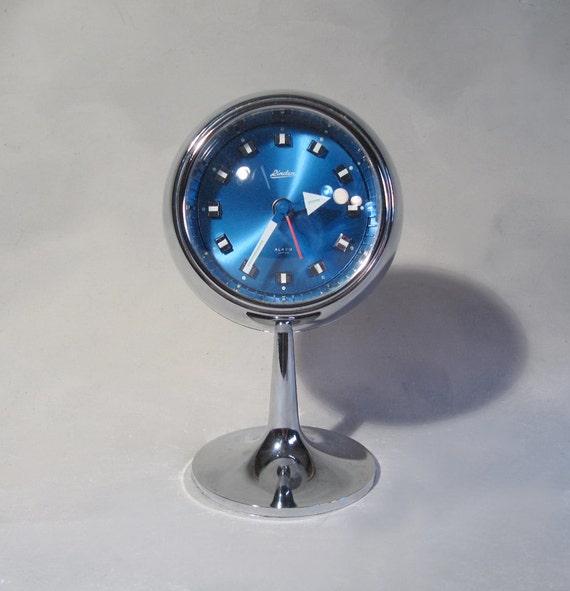 Linden tulip pedistal clock, chrome, metal, plastic, wind-up, made in Japan