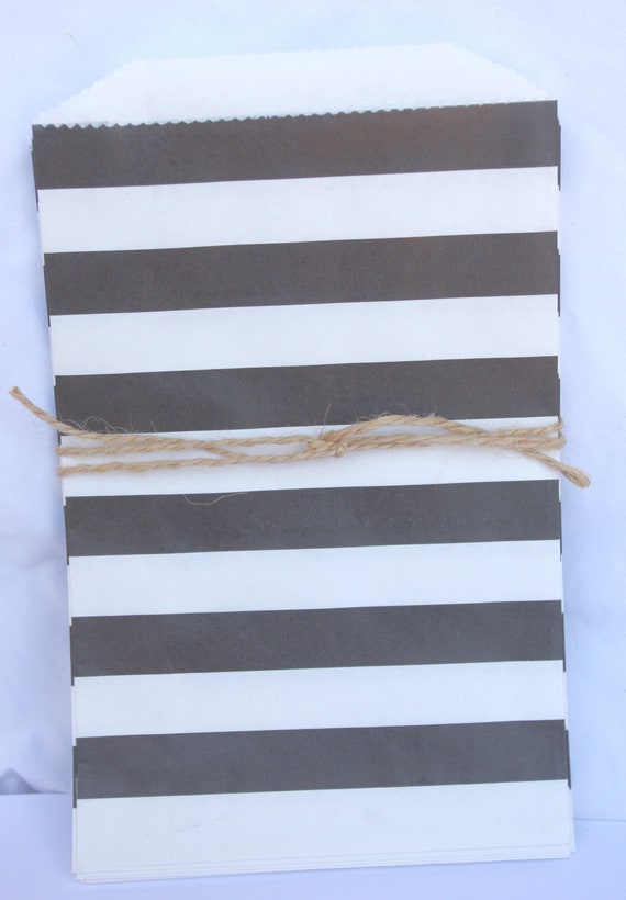20MeDiUM SiZe STRiPeD PaPER BAGs-- black stripe--party favors--gifts---weddings--showers--20ct