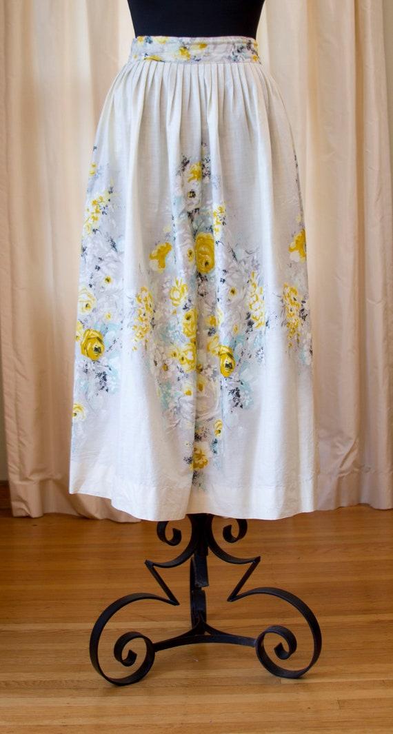 1950's 1960's Shabby Chic Yellow and White Rose Cotton Skirt