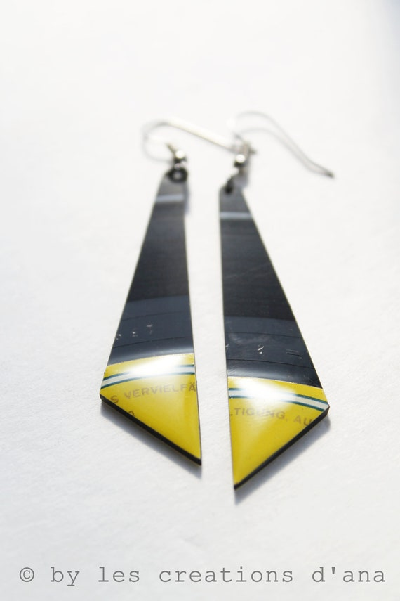 vinyl record jewelry, black and yellow earrings, one of a kind jewelry, handcrafted earrings, resin earrings, long earrings, music jewelry