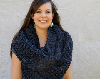 Dover chunky crochet infinity scarf - Charcoal