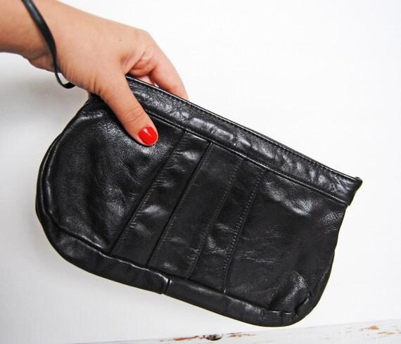 Black Leather Vintage Clutch // 80s-90s