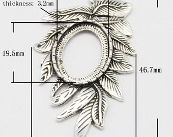 s00318 - 3 Ornate leaf style cabochon settings, antique silver,  alloy, for oval  13x18 cabochon