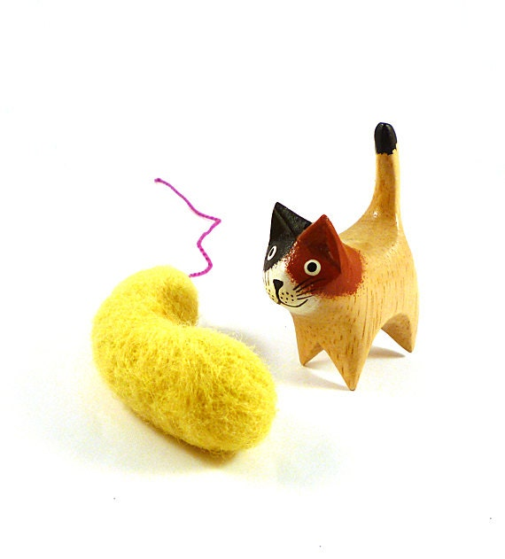Yellow Vibrio Bacteria Wool Catnip Cat Toy