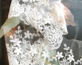 Cotton Lace Fabric Trim - Retro Off White Floral Flower Crochet Scallop Net Lace Fabric Cloth TRIM Bridal Lace 3.5 Inches