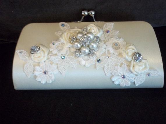 Bridal Clutch - Ivory Vintage Chic Wedding Clutch - Lace Bridal Clutch with Rhinestone Brooch