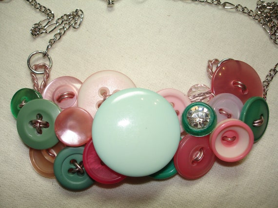 Button Necklace - Vintage button jewelry - Pink - MINT green - Light green - GARDEN DELIGHT