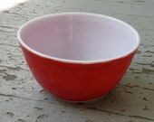 1960s Candy Apple Red Pyrex Nesting Bowl 1.5 Quarts
