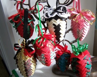 """Vintage 70's """"PLEATED PINE CONE"""" Lot 8 Ornaments Handmade"""