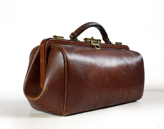 Old French LEATHER - DOCTOR BAG - Great Patina