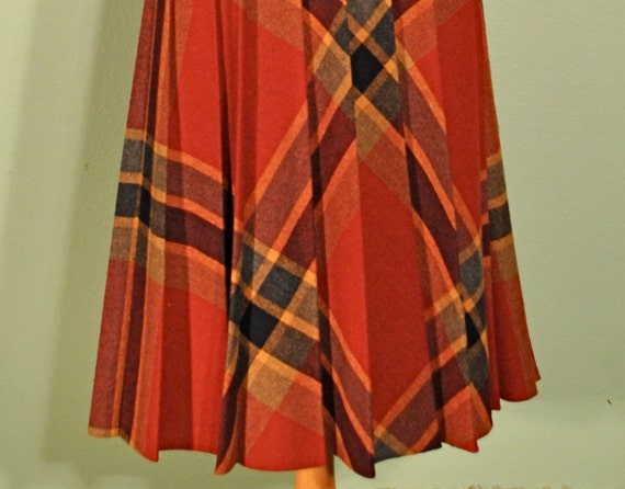 Vintage Plaid Pleated Skirt in Autumn Colors High Waist Aline Silhouette Great for Back to School Rockabilly Pinups