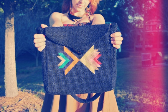 Geométrica. Vintage Geometric Stitched Yarn Bag with Real Horn Button and Cotton Floral Lining