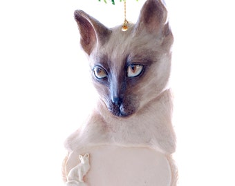 Siamese Cat Personalized Christmas Ornament place your feline's name on this beautiful detailed ornament (c2)
