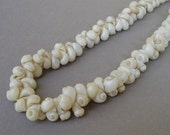 Vintage white shell small beads size 5x9 mm with hole