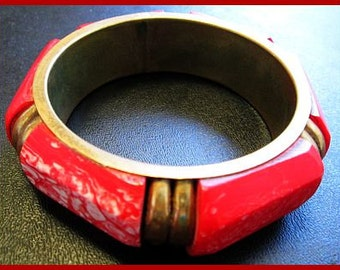 "Bangle Bangle Bracelet Red & White Swirls Thermoset Plastic 1"" Wide Chunky 1950s Vintage"