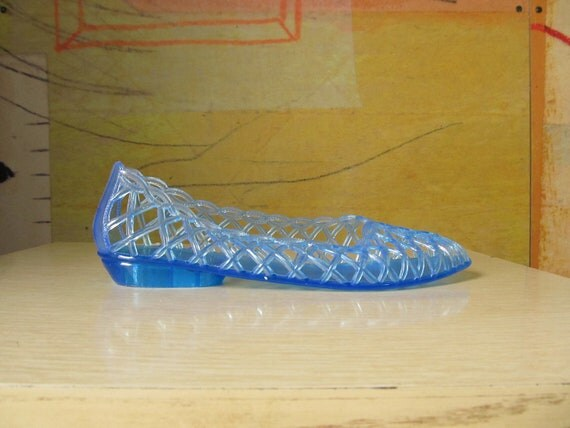 WALK in the PARK )( Blue Jelly Shoes )( Vintage Open-toe Sandals )( Size 7