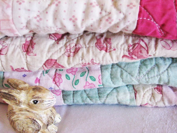Sweet Split Rail Block Baby Quilt // Aqua MINT RASPBERRY // Cottage SHABBY Farmhouse Chic // Beautifully Machine Quilted // 1980's-90's