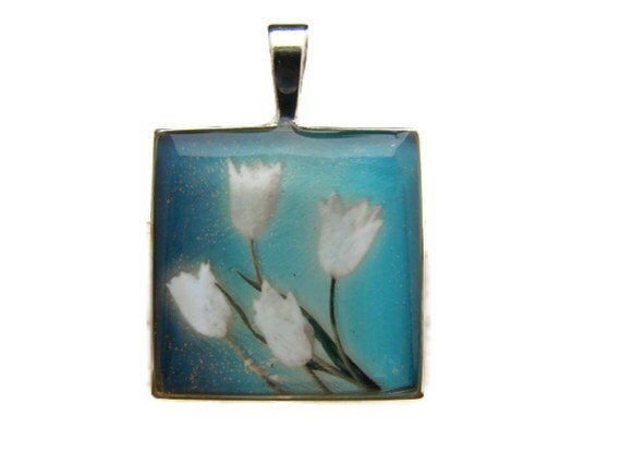Resin Pendant, White Tulips, Blue, 1 inch, Square, Floral, For Her