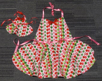 Girls Holiday Apron with Matching Doll Apron
