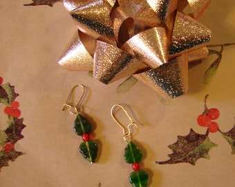Pierced Earrings Christmas Holly Leaves Green Pressed Glass