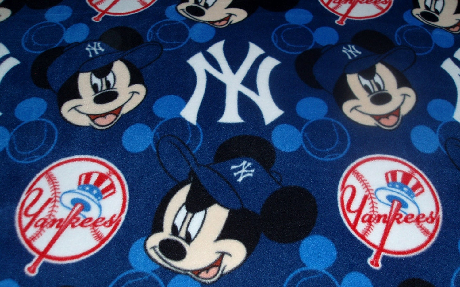 Ny Yankees Mickey Mouse Fleece Fabric All Over Print Throw