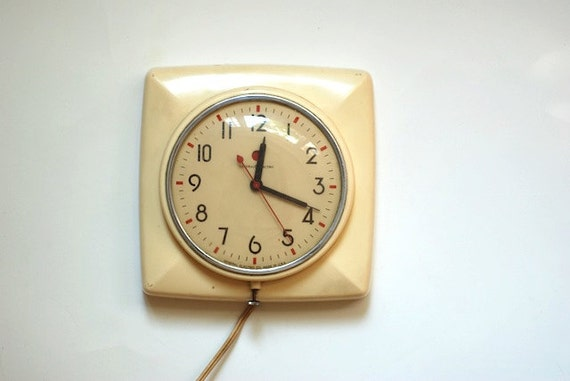 Vintage General Electric Clock 2H2O, Home Decor, Midcentury Wall Clock, Art Deco Kitchen Decor, Mad Men, VIntage Clock