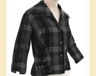 Vintage 1950s jacket in black and white plaid taffeta, fitted style with three quarter sleeves and large collar, UK size 12