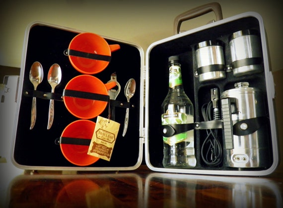 "Vintage Executair 720C Portable Pub-and-Coffee ""Suitcase"" Set--100% Complete, w/ Original Pieces--Even Has Key and Original ""Trav-L Bar"" Tag"