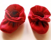 Fleece Baby Booties - Infant Stretchy Crib Shoes - Christmas Red - Boy or Girl
