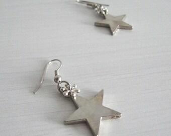 Snowflake stars earrings- winter fashion- silver earrings- perfect Christmas gift