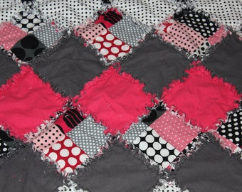 Dots Dots and More Dots Rag Quilt