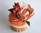 Cake decoration: Floral paper corsage perfect for decorating cakes, gifts and cards.