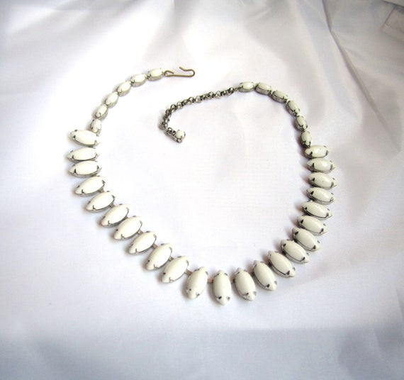 White Milk Glass Choker Necklace 1950s Vintage Jewelry Gift