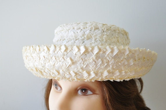 Easter bonnet----1960s Adorable vintage Straw Hat with grosgrain ribbon bow--sears roebuck