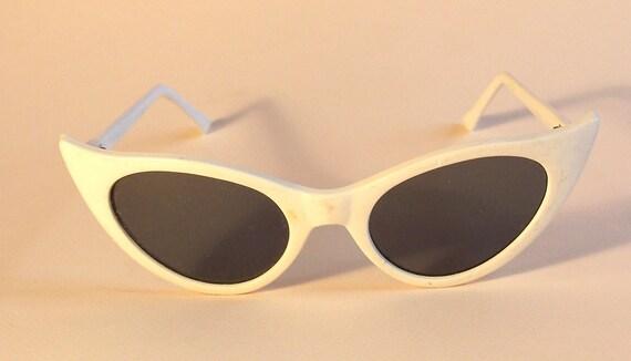 Vintage Retro Cat Eye Sunglasses