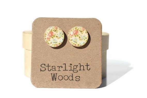 Cream Floral Stud Earrings- wife gift Floral studs. Floral Earrings. Flower Earrings. Gift For Women. Wood stud earrings