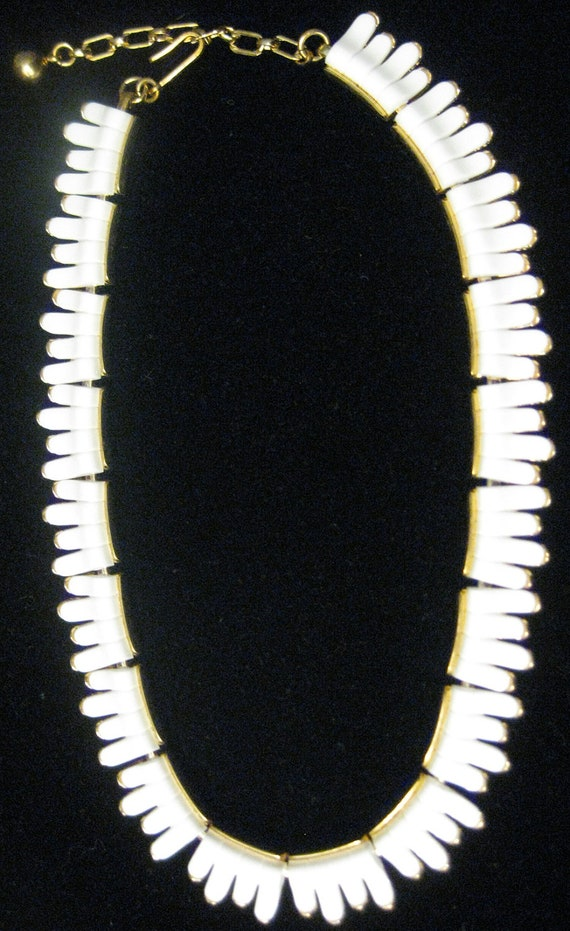 Trifari White Thermoset And Gold Tone Crown Necklace