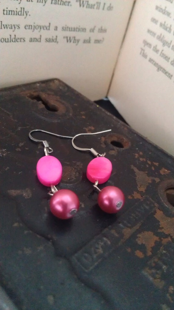 Mother of Pearl Pink Earrings