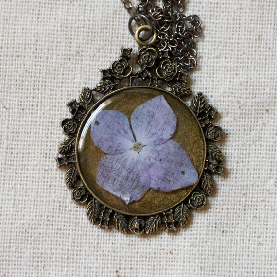 pressed flower necklace resin necklace dried hydrangea set in resin. shabby chic circle filigree pendant for summer. prairie. boho