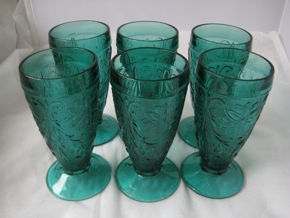 Eight Vases (Picture shows Six)Spruce Green Tiara Christmas Iced Tea Glasses Tall Vintage Water Glasses Retro Green Glass Wedding