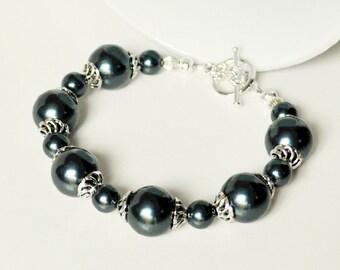Blue Pearl Bracelet Handmade Jewelry in Silver Beaded Bracelet Swarovski Pearls