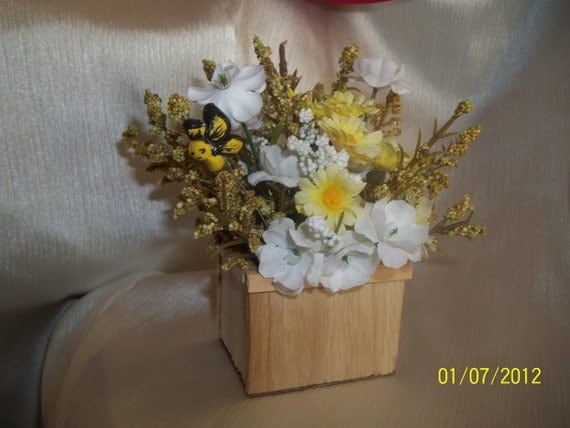 Price reduced Dollhouse 1:12 scale wooden planter with Butterfly plant stake