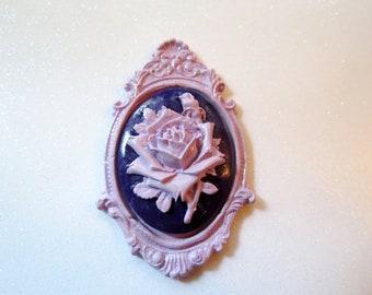 Rose Cameo Brooch (purple)